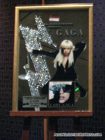 File:8-12-09 Lady Gaga The Fame Platinium plaque.jpg