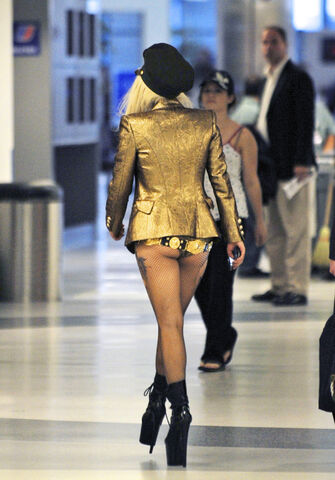 File:10-2-10 At LAX Airport 001.jpg