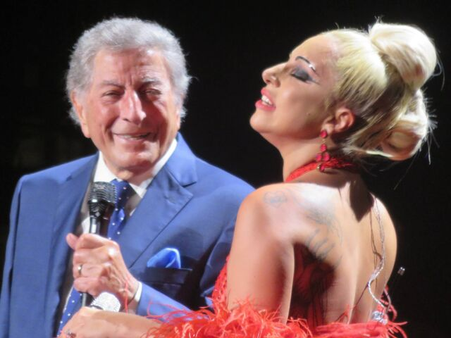 File:6-20-15 Cheek to Cheek Tour 001.jpg