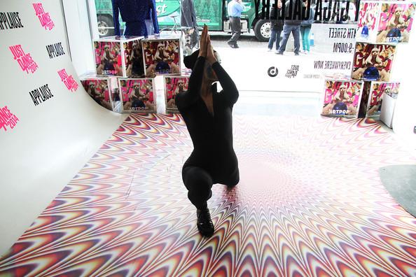 File:ARTPOP Pop Up Just Dance 2014 002.jpg