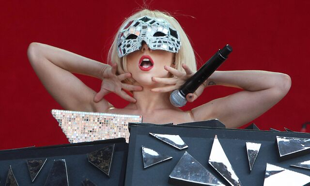File:7-11-09 The Fame Ball Tour at T In The Park Festival in Kinross 001.jpg