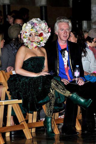 File:9-16-12 Attending London Fashion Week 001.jpg