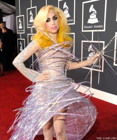 File:1-31-10 Grammy Red Carpet.jpg