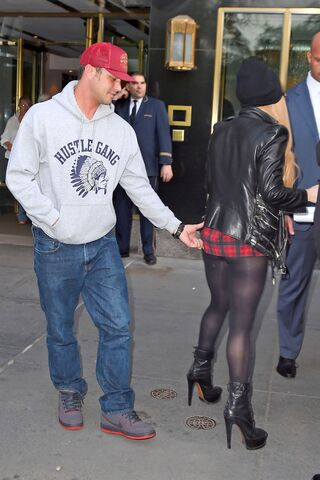 File:5-13-14 Leaving her apartment in NYC 002.jpg