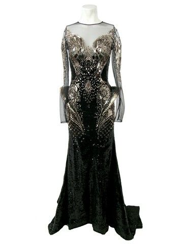 File:Michael Cinco - Laser cut crystal dress 001.jpg