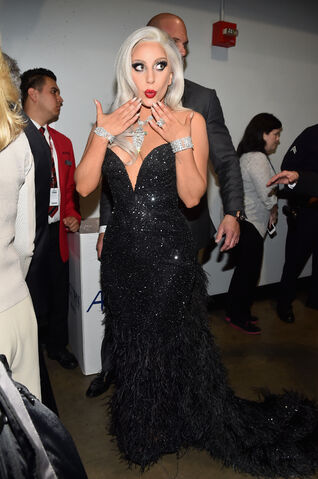 File:2-8-15 Backstage at 57th Annual Grammy Awards at Staples Center in LA 001.jpg