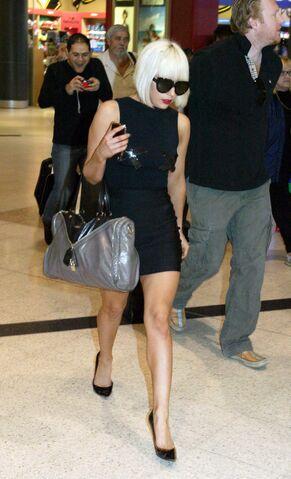 File:5-31-09 Sydney Airport.jpg