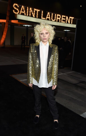 File:2-10-16 Arrival at Saint Laurent at The Palladium in LA 001.jpg