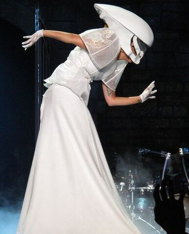 File:The Born This Way Ball Tour Bloody Mary 009.jpg