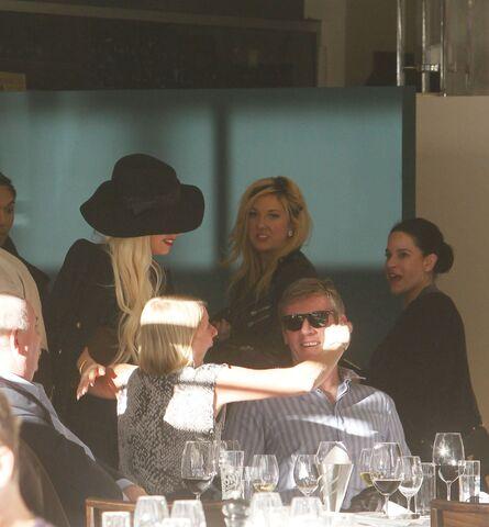 File:6-18-12 At Manta Restaurant in Syndey 001.jpg