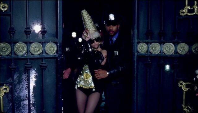 File:Paparazzi Music video - Scene 10.jpg