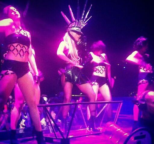File:The Born This Way Ball Tour LoveGame 004.jpg