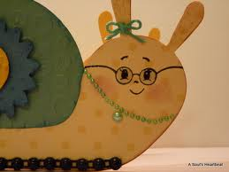 File:Snail with glasses 2.jpg