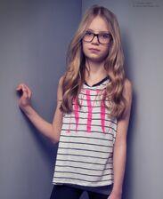 Kids-glasses-hair