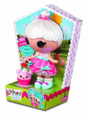 File:Mimi La Sweet doll - Littles - box side view.jpg