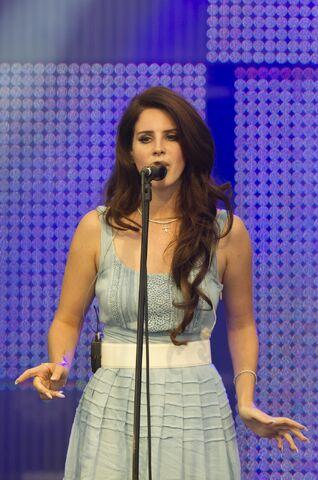 File:Lana Del Rey - Performing Live at Melt! Festival in Ferropolis, Germany July 15, 2012 04.jpg