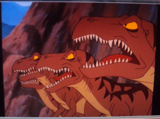 File:4 Angry, Snarling Raptors.JPG