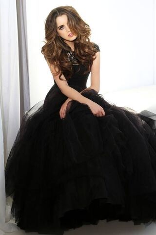 File:Sherri Hill Prom Collection (26).jpg