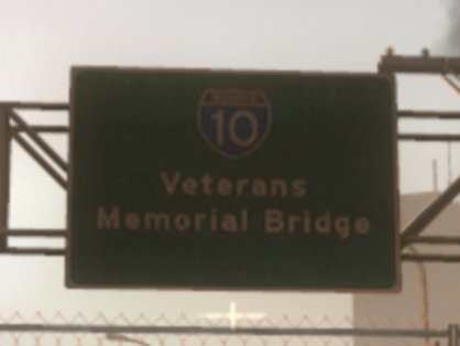 File:Veterans Memorial Sign Bridge.jpg