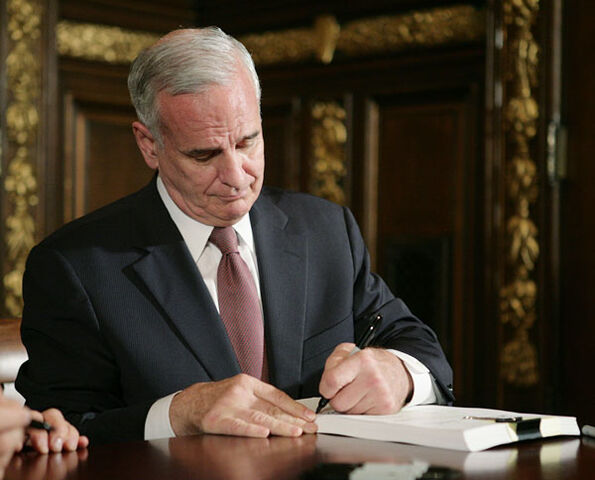 File:Mark Dayton.jpg
