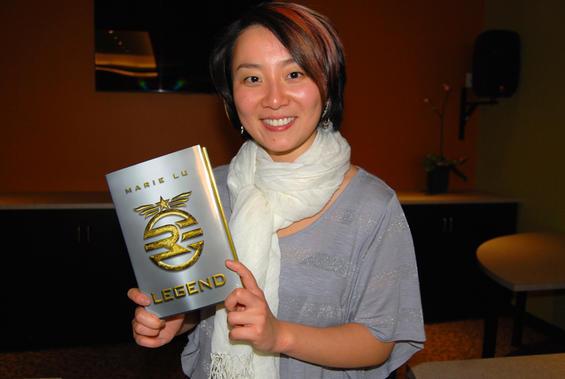 File:Marie-lus-legend-mysterious-galaxy-bookstore.7476602.87.jpeg