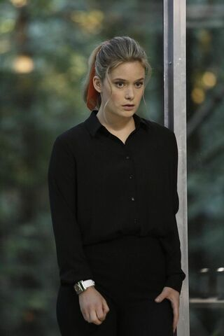 File:Promotional Image 1x03 Chapter 3 (3).jpg