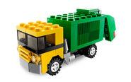 20011 Garbage Truck