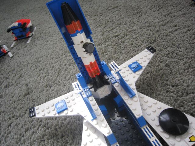 File:1000px-LEGO Today 102.jpg