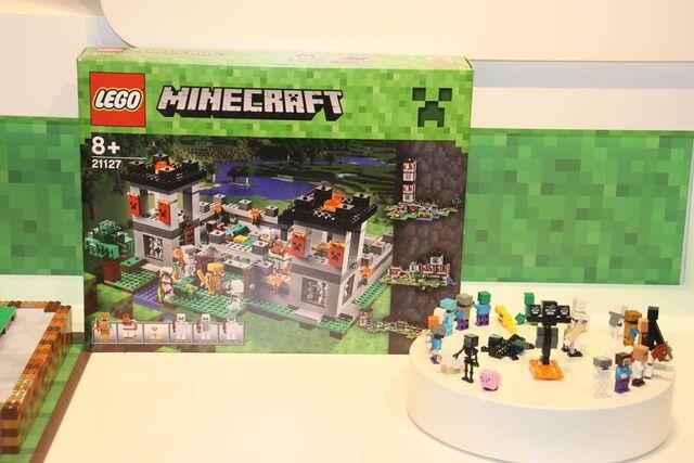 File:LEGOMinecraftFutureFigs.jpg