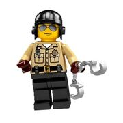 Traffic-policeman-cop-lego-minifigures-series-2-8684