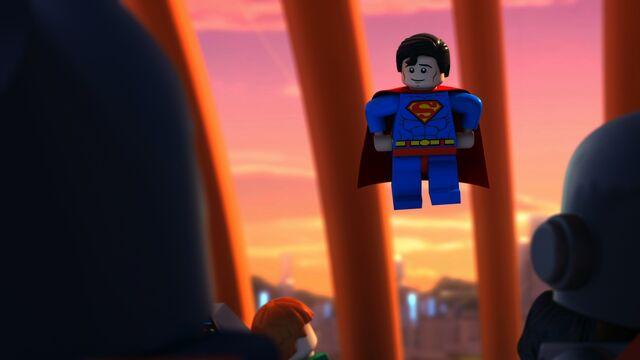File:LegoJLBizarro-Supes talks to JL.jpg