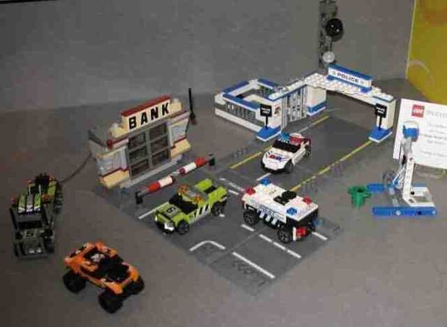 File:8211-ToyFairPreview-new.jpg