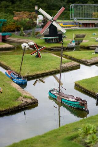 File:Legoland-NL3.jpg