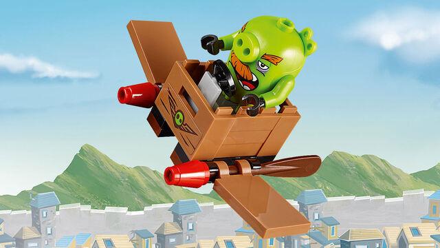 File:Lego-angry-birds-movie-Foreman-pig-primary.jpg