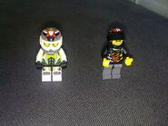 8896 Minifigures
