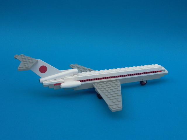 File:698-JAL Boeing 727.jpg