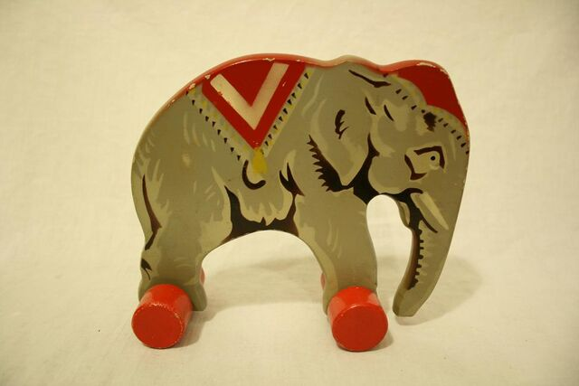File:Wooden lego elephant7.jpg