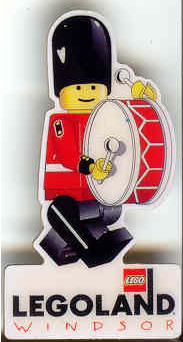 Pin82 Legoland Windsor - Minifig Grenadier with Bass Drum