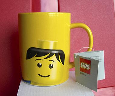 File:852215 Cup Mug, Minifig Head Male Pattern Yellow.jpg