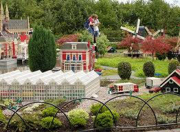 File:Lego Tulip Farm.jpg