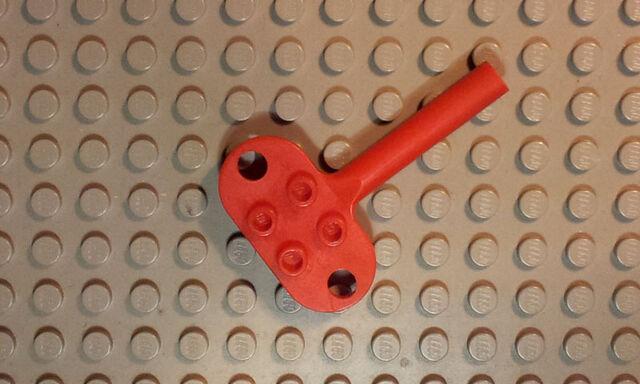 File:Key for wind-up motor2.jpg