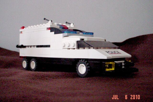 File:LEGO Swat truck front.jpg