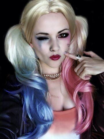 File:Suicide Squad-Harley Quinn Cosplay-EssicaJ-002.jpg