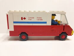Lego Canada Post 105 DSC01446