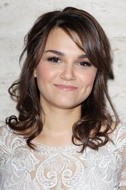 8302-samantha-barks-arrived-in-style-at-the-592x0-1