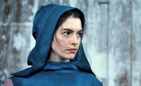 File:Anne-Hathaway-in-Les-Miserables-2012-Movie-Image-600x366.jpg