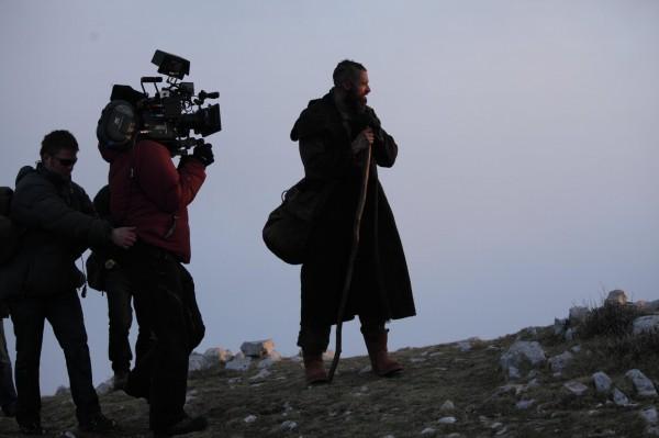 File:Les-miserables-hugh-jackman-movie-image-set-photo-1-600x399.jpg