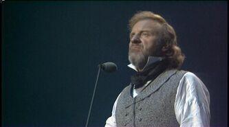 Les Miserables - 10th Anniversary Concert 1995 DVDRip 269 000176r
