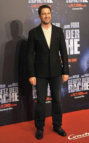 Gerard-butler-in-levi
