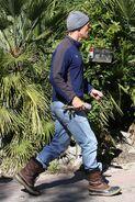 Matthew+McConaughey+Arriving+Home+Construction+hWUyQyAGq9 x